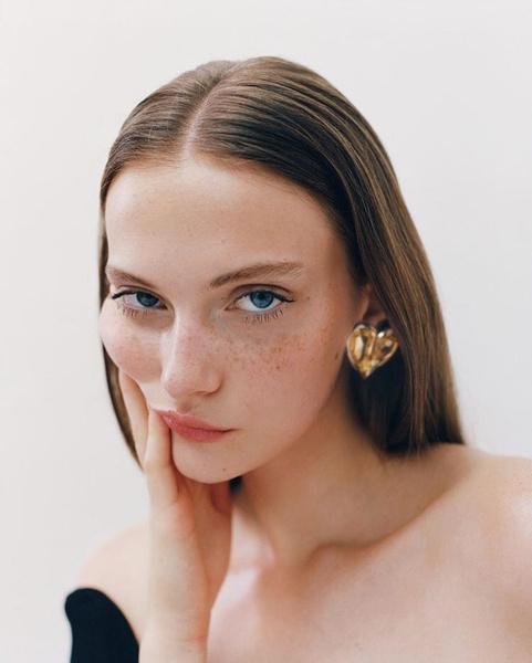 Фото №2 - Идеальный макияж для тех, у кого круглый год веснушки