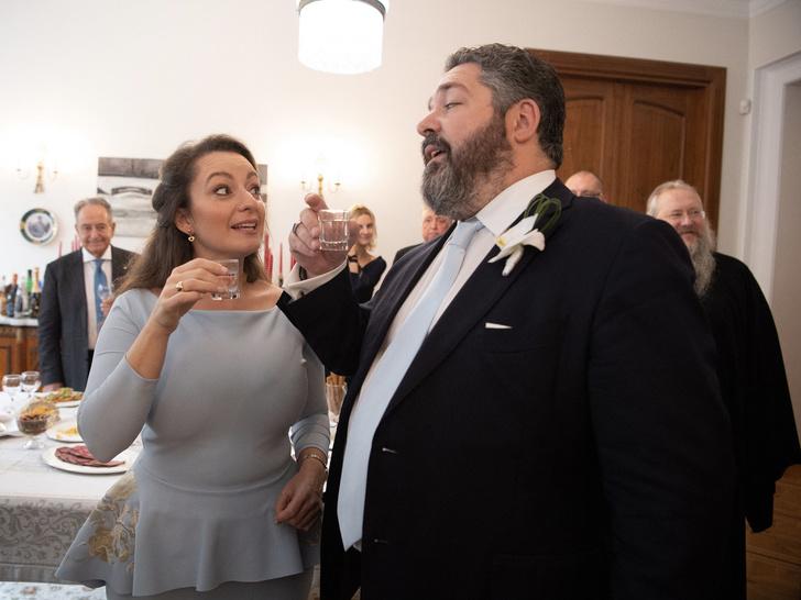 Фото №2 - Невеста в голубом, хохлома и водка: первый день свадьбы великого князя Георгия Романова