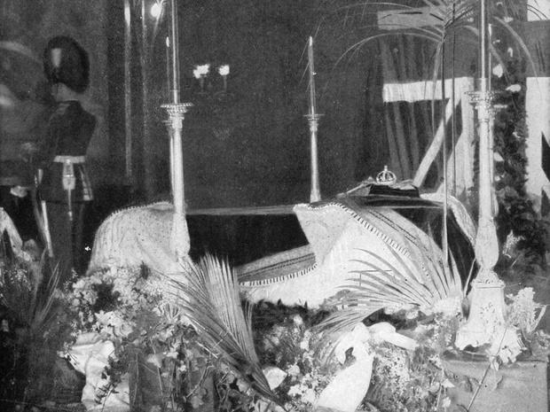 Фото №2 - От королевы Виктории до принцессы Маргарет: какими были похороны Виндзоров за последние сто лет