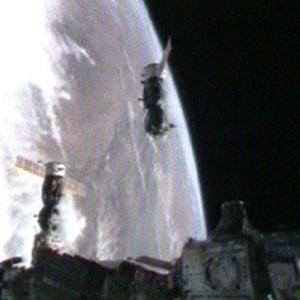 Фото №1 - Космоастронавты возвратились на Землю