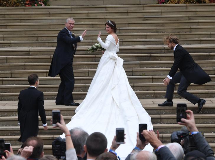 Фото №6 - Настоящая принцесса: свадебный образ Евгении Йоркской