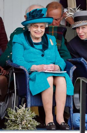 Фото №8 - Читаем по рукам: что говорят о Меган, Кейт и других королевских особах их руки