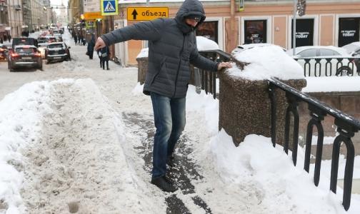 Фото №1 - В Петербурге за сутки 88 пострадавших из-за гололеда вызывали «Скорую»
