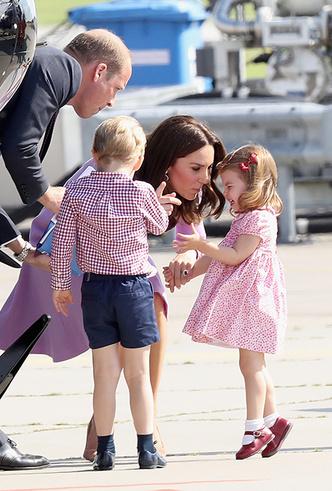 Фото №9 - Материнские инстинкты: в чем Кейт Миддлтон копирует принцессу Диану