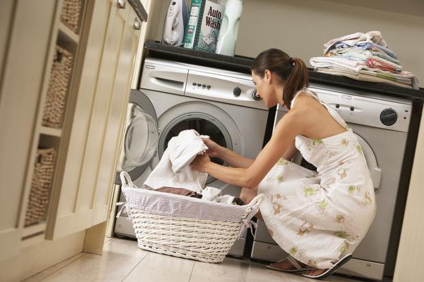 Фото №1 - Зачем класть таблетки для посудомойки в стиральную машинку