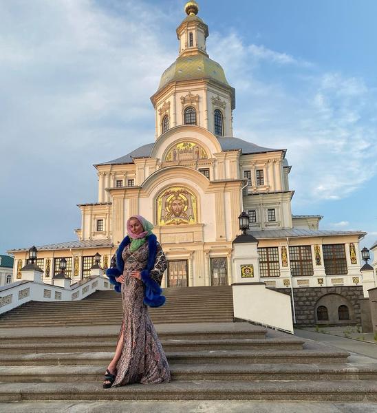 Фото №1 - «Расскажу о ваших хищениях, вранье»: Анастасия Волочкова объявила войну губернатору Нижегородской области