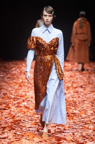Фото №26 - 30 лучших платьев осени и зимы 2019 с Mercedes-Benz Fashion Week Russia