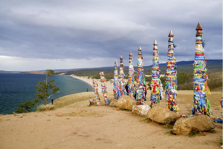 Фото №1 - Экскурсия на озеро Байкал. Часть 3: Мыс Бурхан (скала Шаманка)