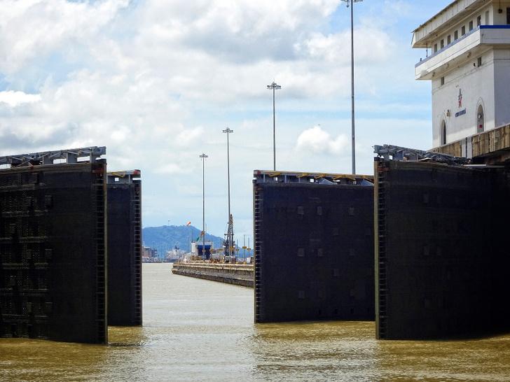 Фото №6 - Разрезая континенты: 9 фактов о Панамском канале