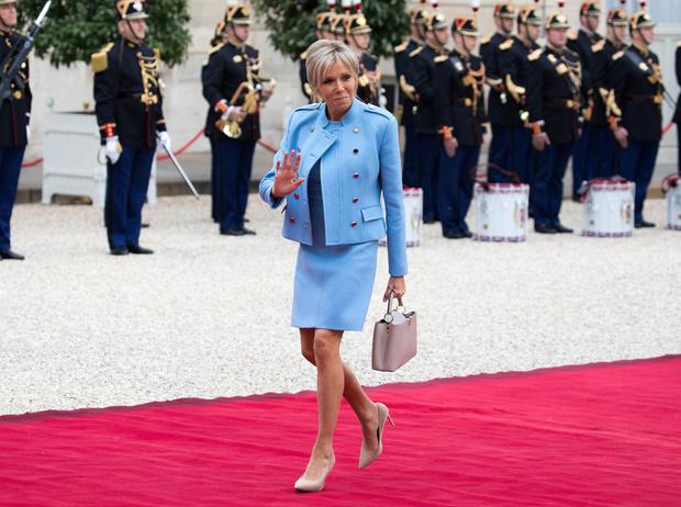 Фото №2 - Первый стилист Франции: кто одевает Брижит Макрон