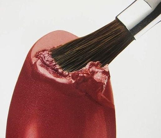 Фото №2 - Бьюти-факапы: 5 ошибок в макияже, которые ты тоже совершаешь