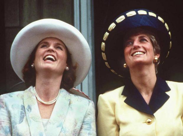 Фото №1 - Королевский скандал: из-за чего закончилась дружба Дианы и Сары Фергюсон