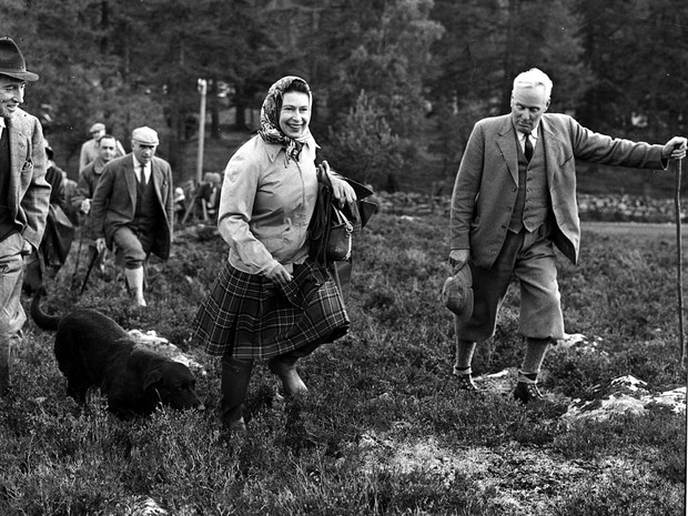 Фото №2 - Испытание на прочность: как (и зачем) Королева «проверяет» всех своих гостей