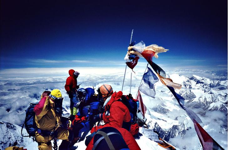 Фото №1 - Морская вершина мира: факты об Эвересте