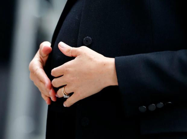 Фото №3 - Как пальцы Меган связаны с датой рождения ее первенца