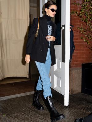 Фото №6 - Гайд: сочетаем джинсы с обувью в холодное время года