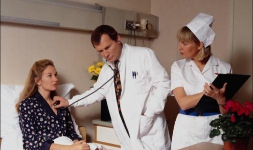 Фото №1 - В больницы ежедневно госпитализируют до 90 петербуржцев с тяжелыми формами ОРВИ
