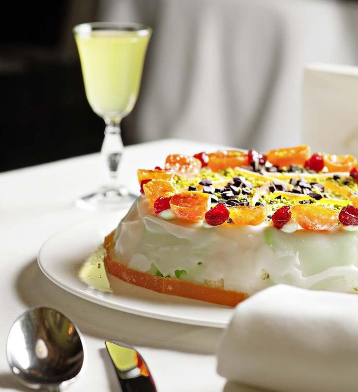 Фото №1 - Сладкий, как жизнь: торт из рикотты и марципана к пасхальному столу