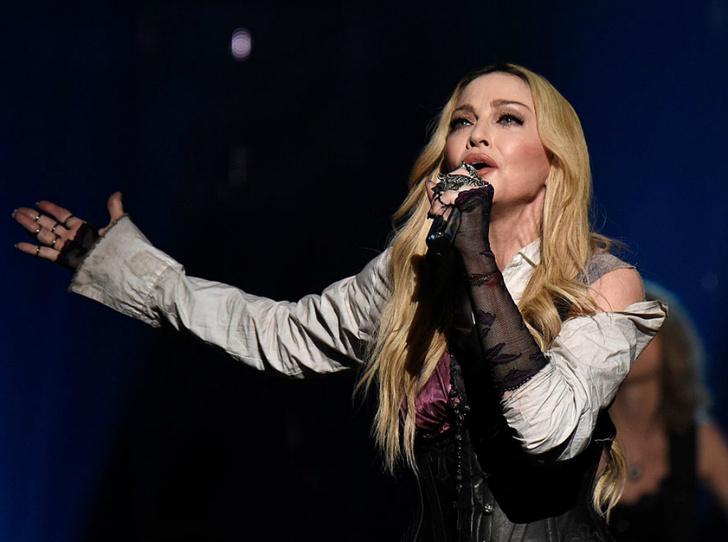 Фото №2 - Выступление Мадонны ударит по бюджету «Евровидения»