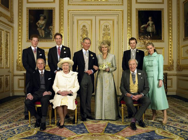 Фото №2 - Почему Королева не пришла на свадьбу принца Чарльза и Камиллы