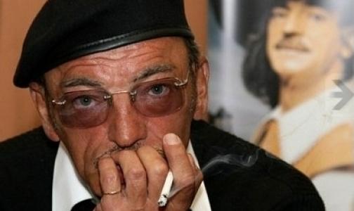 Фото №1 - Михаил Боярский вступил в борьбу за права курильщиков