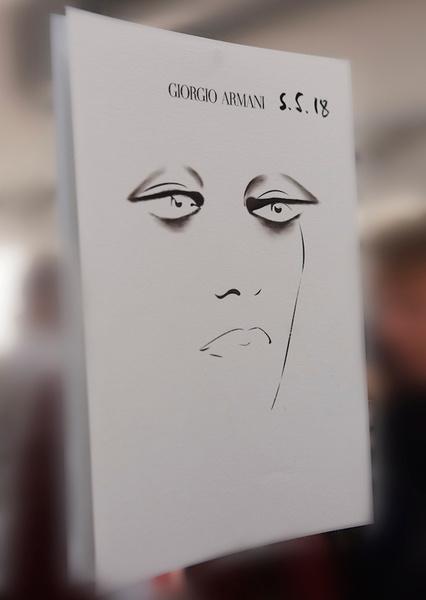Фото №5 - Black&White: как повторить макияж с показа Giorgio Armani SS18 в Милане