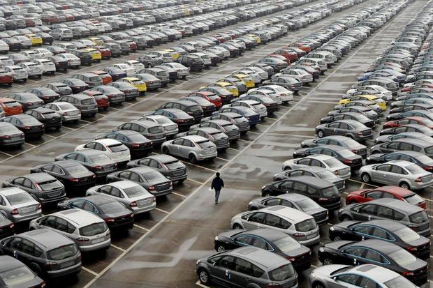 Фото №1 - Автомобильный рынок в России выходит из комы