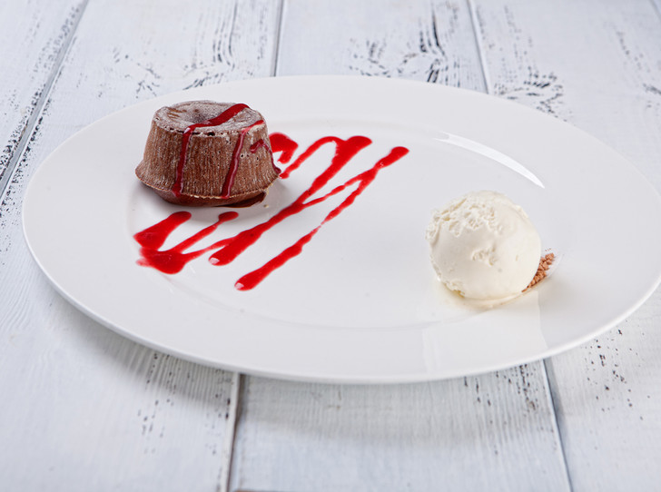 Фото №2 - Три романтичных десерта для всех влюбленных