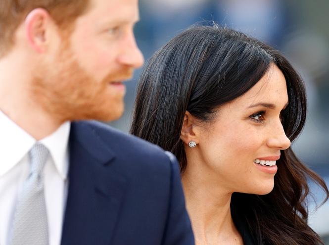 Фото №1 - На свадьбу со своей едой: гостям принца Гарри и Меган Маркл пришло странное оповещение