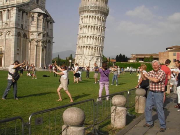 Фото №1 - Лайфхак: как убрать людишек с фотографий из отпуска
