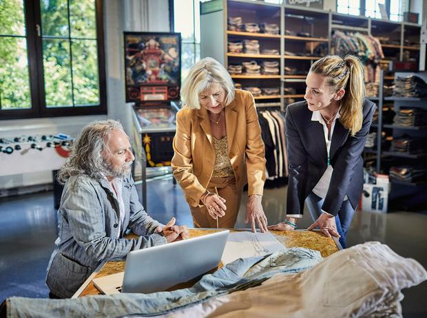 Фото №5 - Как запустить свое дело в модной индустрии: 5 работающих лайфхаков