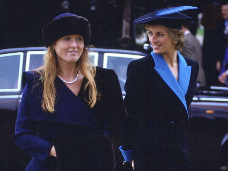 Фото №2 - Дворцовые тайны: секретный договор, который заключили Диана и Сара Фергюсон
