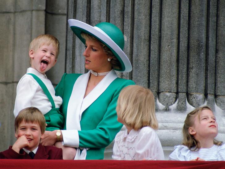 Фото №2 - 10 случаев, когда королевские дети показывали характер
