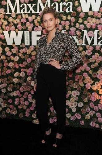 Фото №10 - Актриса из будущего: коктейль Max Mara в честь Зои Дойч