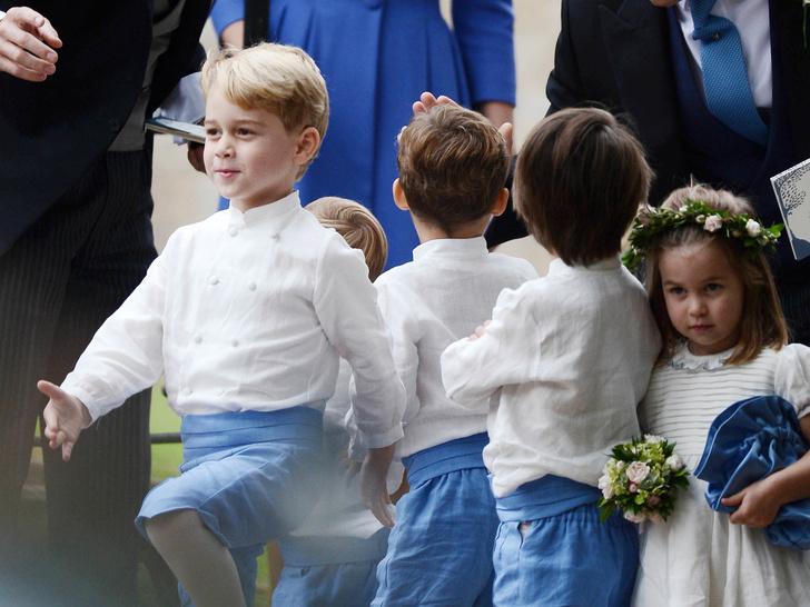 Фото №7 - Самые милые фото Джорджа и Шарлотты на королевских (и не только) свадьбах