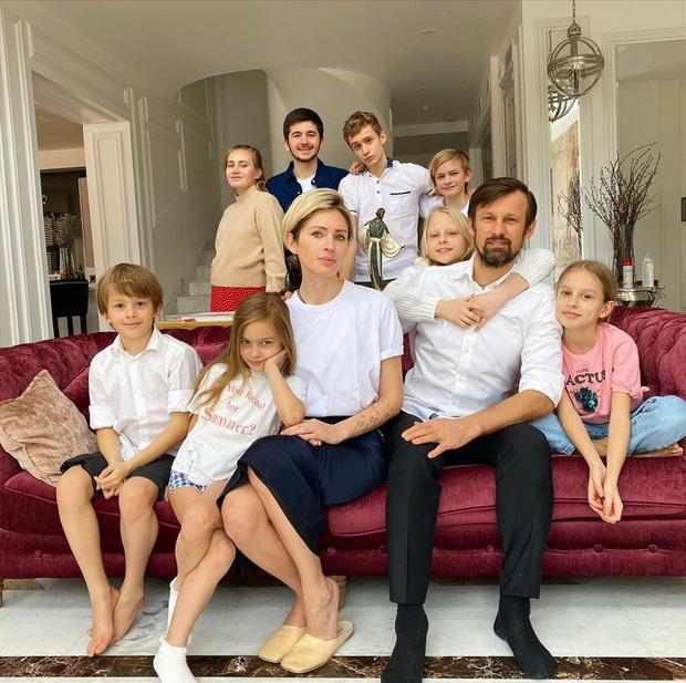 <p>У Анны и Сергея Семака очень большая семья</p>