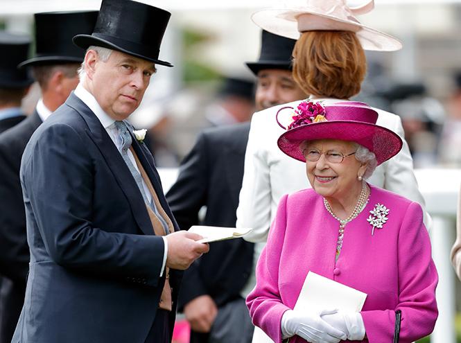 Фото №5 - Намек понят: как на самом деле Елизавета II относится к Brexit