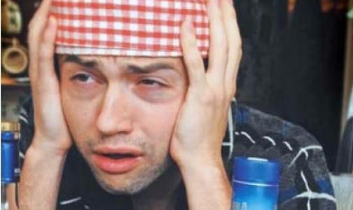Фото №1 - Петербургский врач предупреждает: похмеляться рассолом с парацетамолом опасно