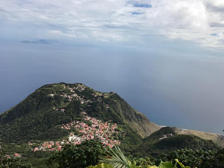 Фото №1 - «Королева праведности»: остров Саба на вершине затопленного вулкана