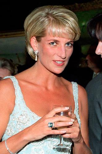 Фото №7 - История помолвочного кольца принцессы Дианы и Кейт Миддлтон