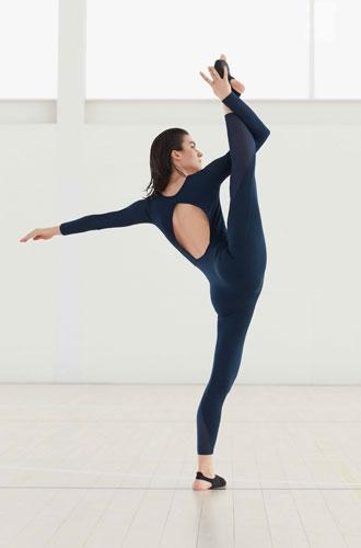 Фото №4 - Гибкость и пластика: 20 модных вещей для йоги и пилатеса