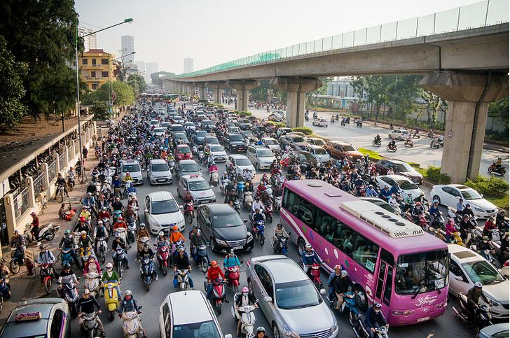 Фото №1 - Власти Ханоя хотят запретить мотоциклы