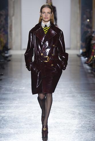 Фото №3 - Парад топ-моделей: Наталья Водянова, Джиджи Хадид, Кайя Гербер и другие на подиуме Versace FW18-19