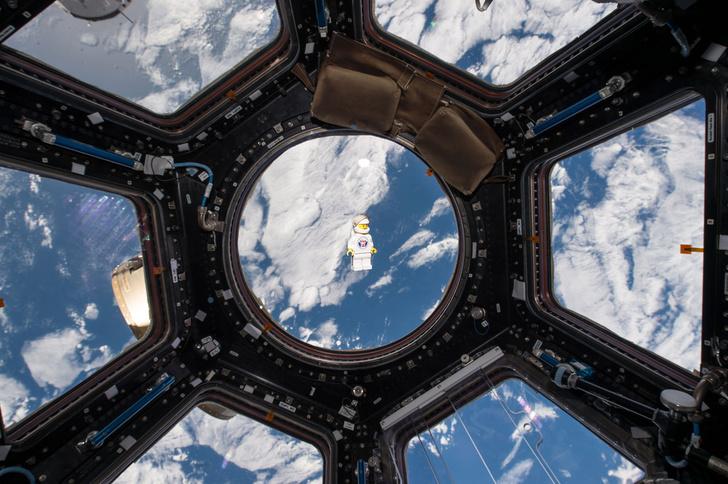 Фото №1 - Астронавт-лего