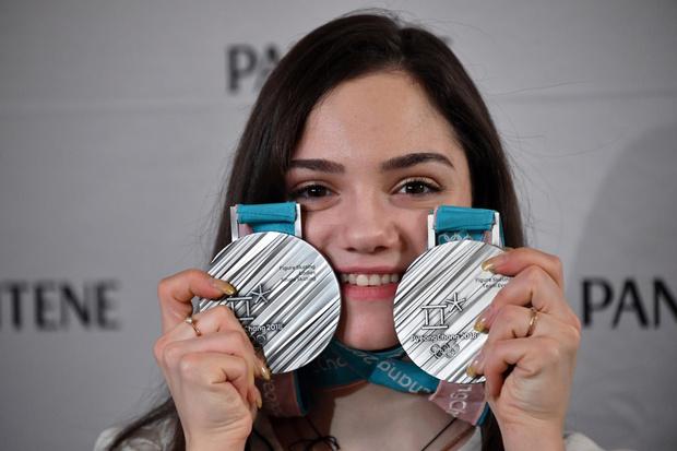 Фото №1 - «Я знала, что сделала все, что могла, и горжусь своими баллами»: Евгения Медведева рассказала об Олимпиаде и о конкуренции в спорте