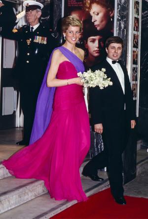 Фото №4 - Королевский тренд: платья в стиле color-blocking от первых британских модниц
