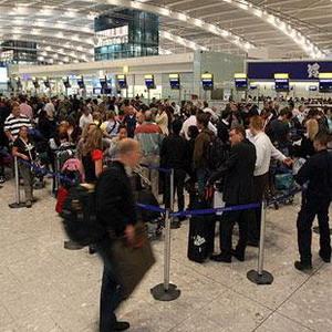 Фото №1 - Пробки в британских аэропортах рассасываются
