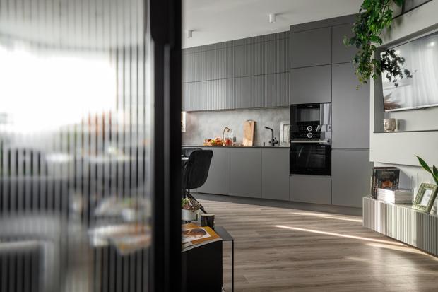 Фото №4 - Нескучная серая квартира в Гродно 65 м²