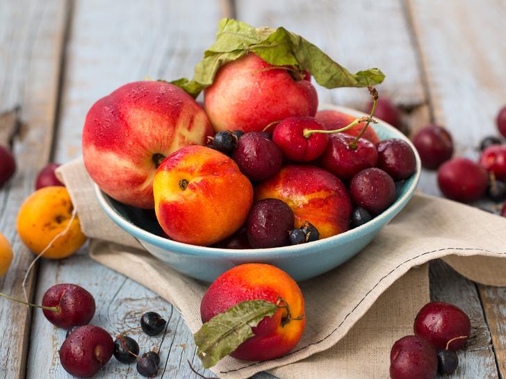 Фото №1 - Как правильно хранить фрукты и ягоды дома: 8 главных секретов