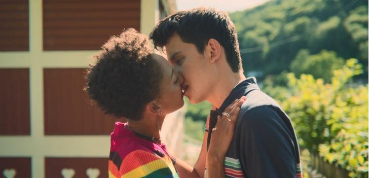 Половое воспитание, поцелуй